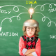 Niño con auriculares de realidad virtual de juguete éxito innovación idea